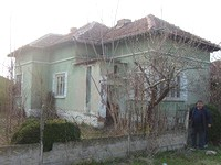 One storey house with 1000 sq m garden in Vidin