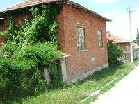 Brick House In The Countryside in Targovishte