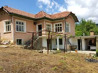 House for sale in the mountains near Apriltsi