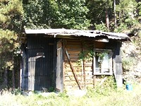 Regulated plot of land with a small house for sale near Sofia