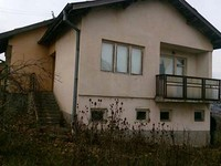 Rural house for sale near Popovo
