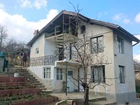 Small house for sale next to Varna