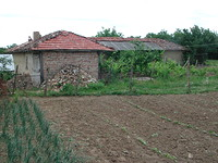 Yard With Agricultural Buildings in Targovishte