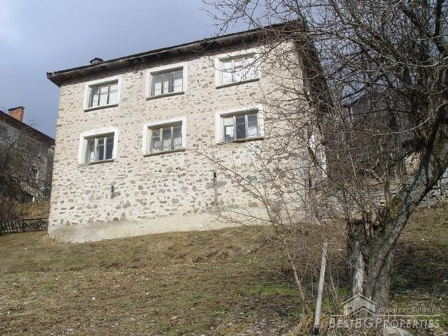 Large house for sale near Smolyan